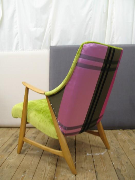 Lillesøster stol i Designers Guild silke