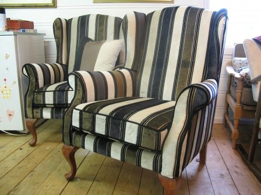 Ørelappstolene i tekstil fra Designers Guild