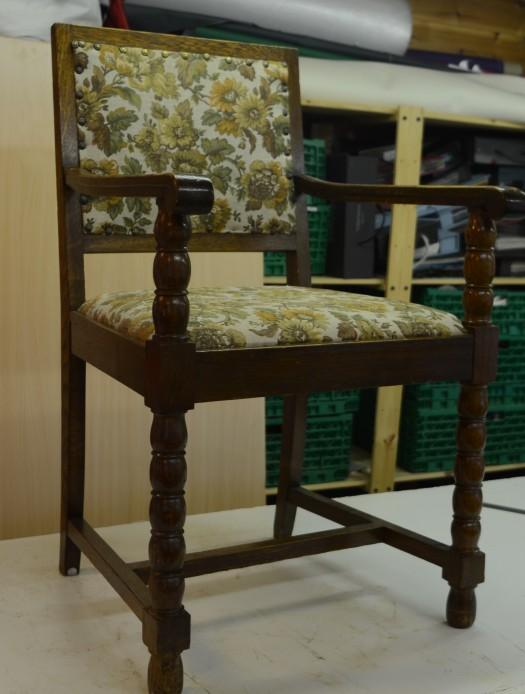Loppemarked stol klar til omtrekk