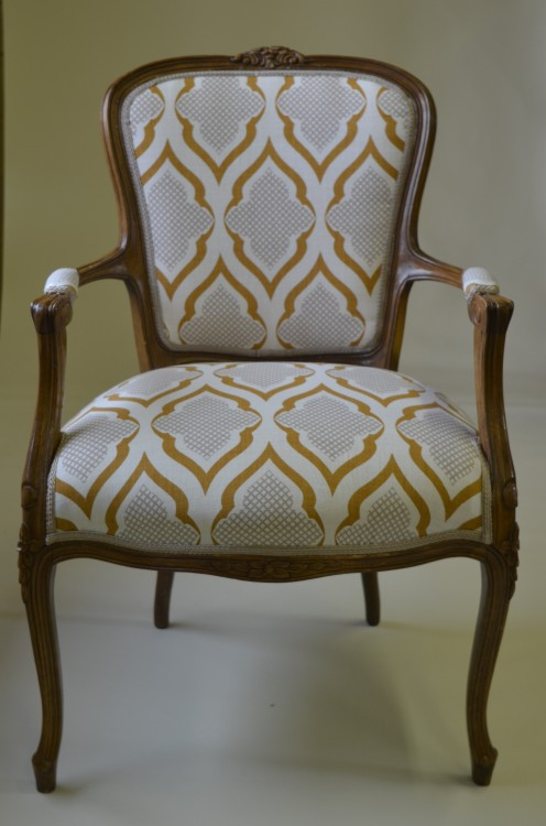 Rokokko stol omkledd i heftig mønster!