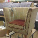 Sliten stol før omtrekk
