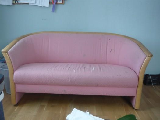 Slik så sofaen ut før jeg trakk den om!