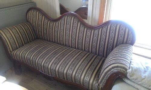 Klassisk mønstrete stoff før omtrekk