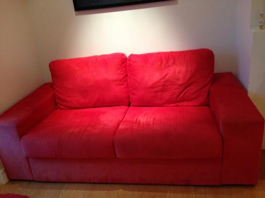 Knall rød sofa før omtrekk