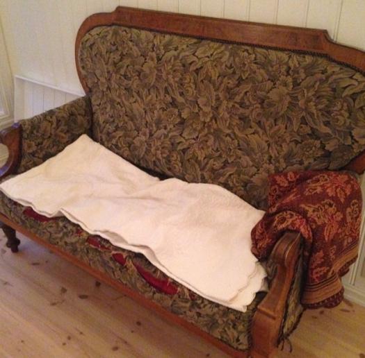 nok en sliten sofa..