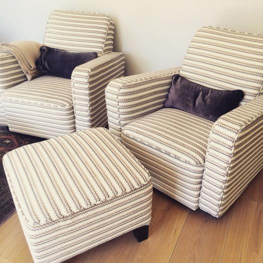 Tilhørende stoler i tekstilet Azur fra Romo