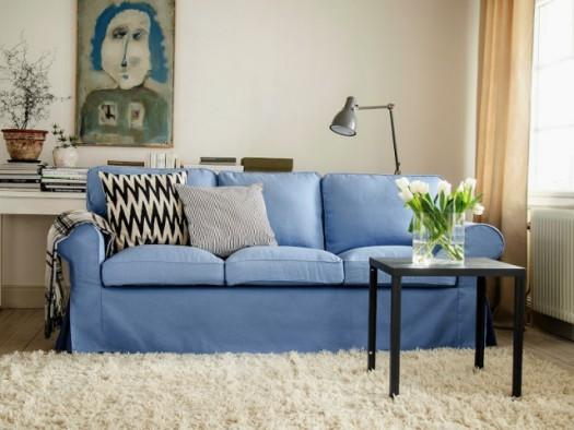 Due blå sofa